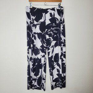 Chico's Black White Floral Wide Leg Capri Pants